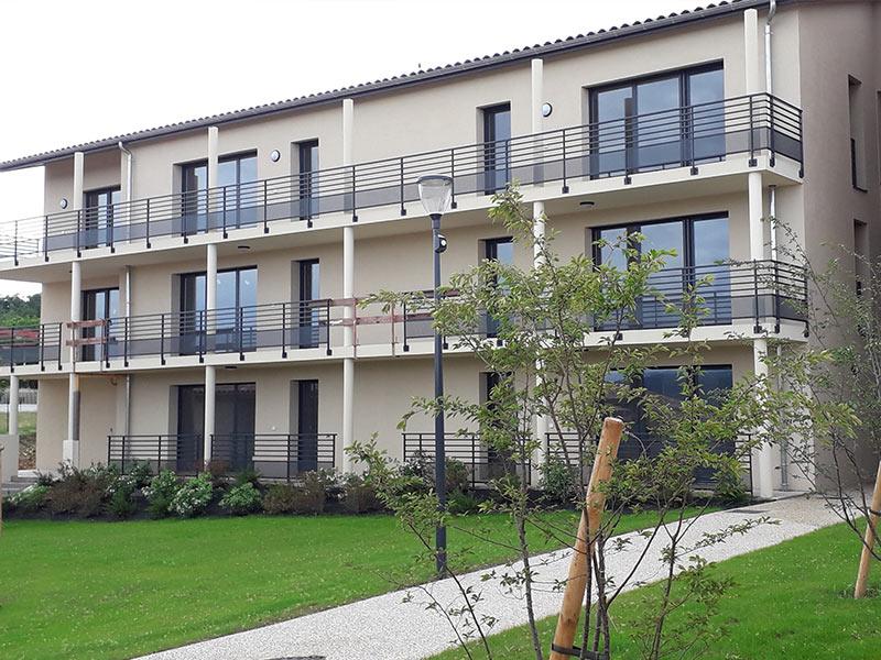 Etoile-sur-Rhône---Résidence-Estrella---photo-extérieurs