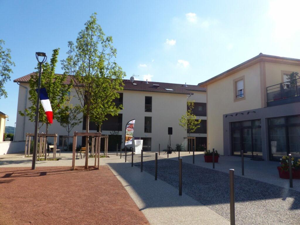 Inauguration centre du village à Epinouze